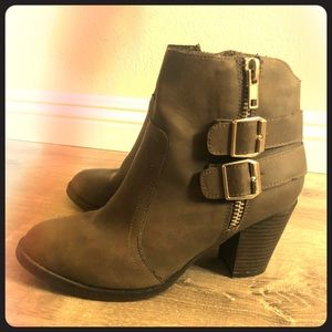 Mossimo Boots Grey
